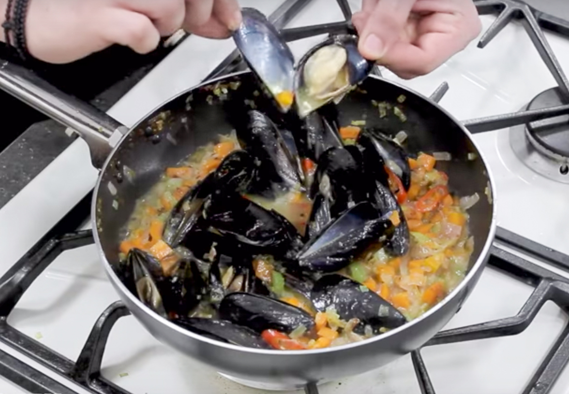 Greek steamed Mussels